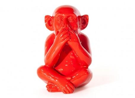 Statue singe de la sagesse Iwazaru en résine - rouge