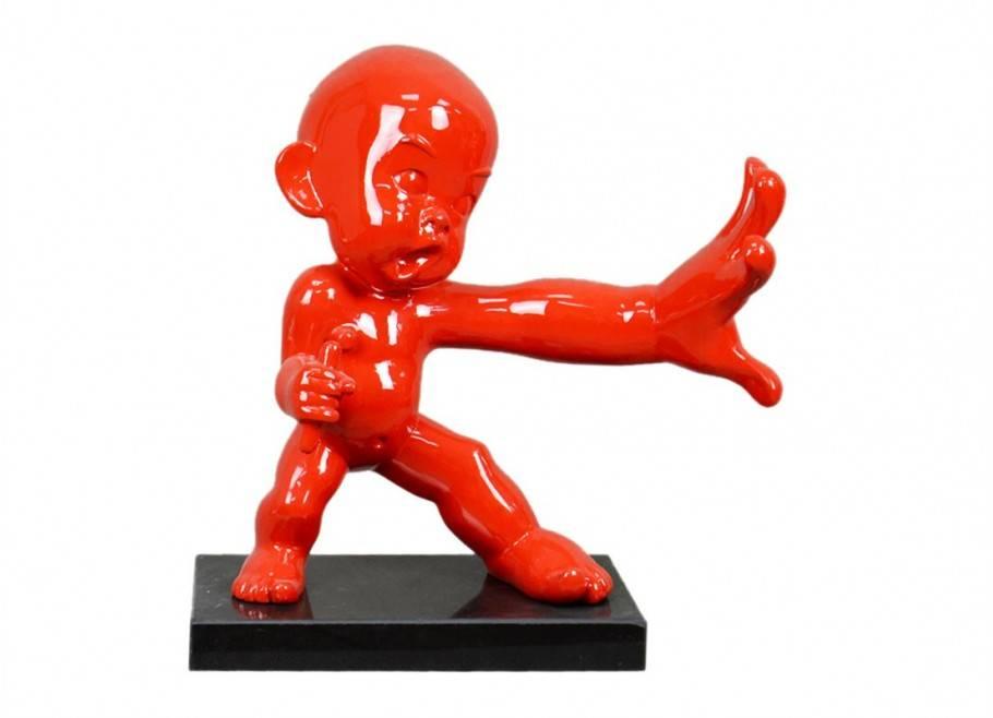 Statue bébé ninja pratiquant le Kung Fu