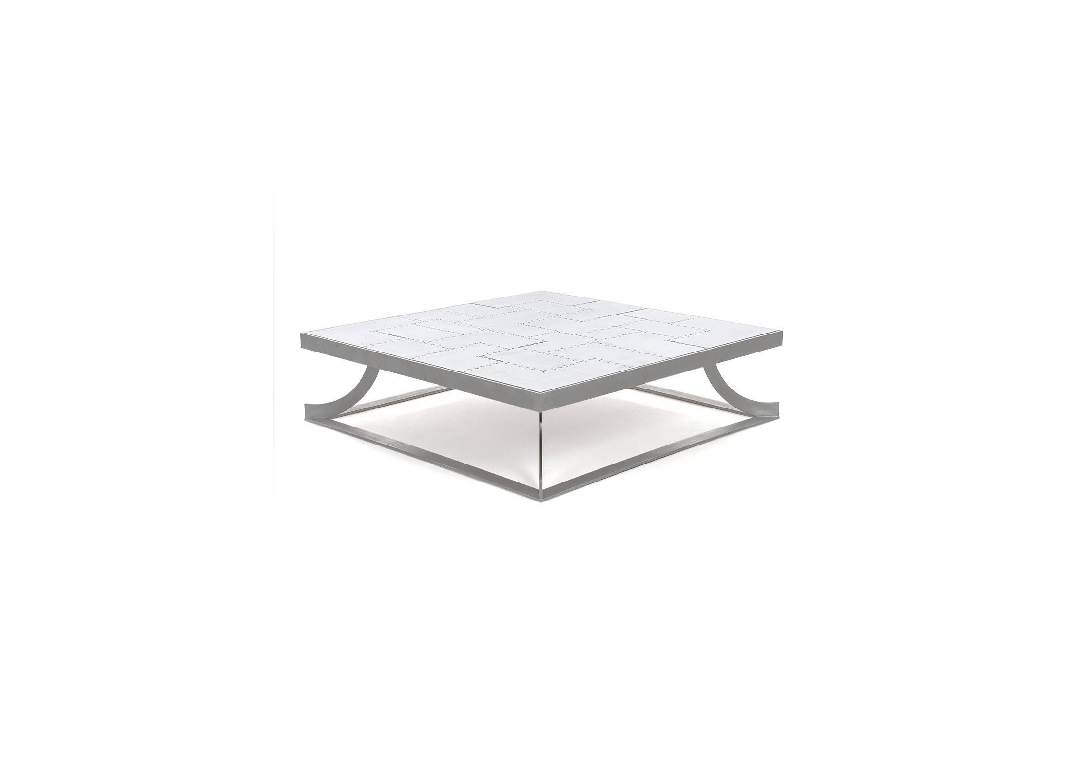 table basse carr e a ro en aluminium rivet. Black Bedroom Furniture Sets. Home Design Ideas