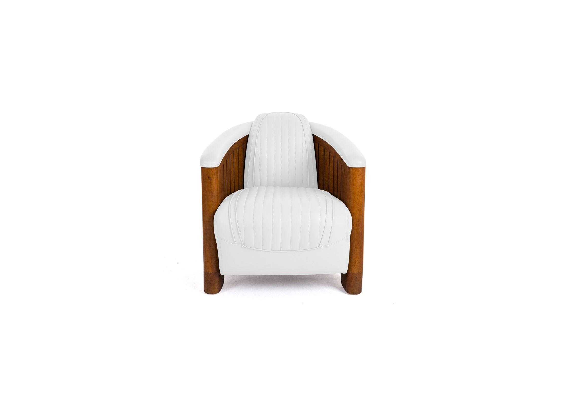fauteuil club cuir blanc structure en bois design et relax. Black Bedroom Furniture Sets. Home Design Ideas