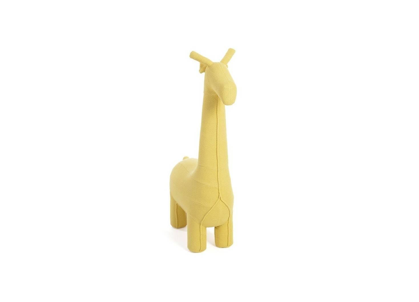 Pouf girafe jaune. Fil de coton tricoté. 128 cm