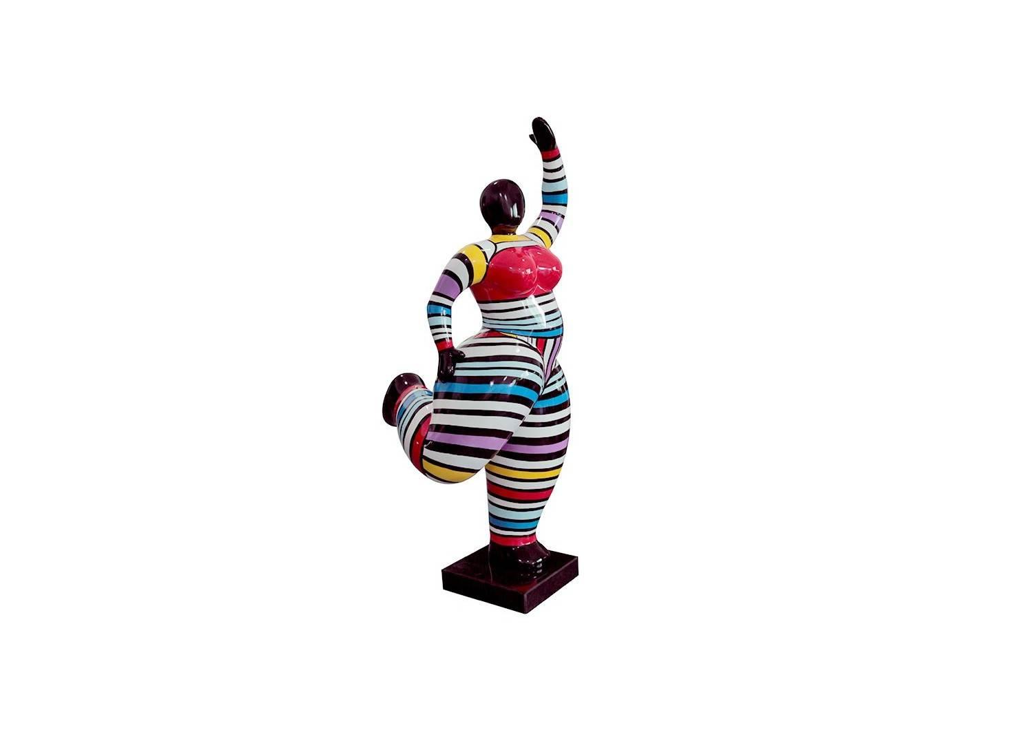 Statue femme ronde, bras levés, motifs rayés -H42cm