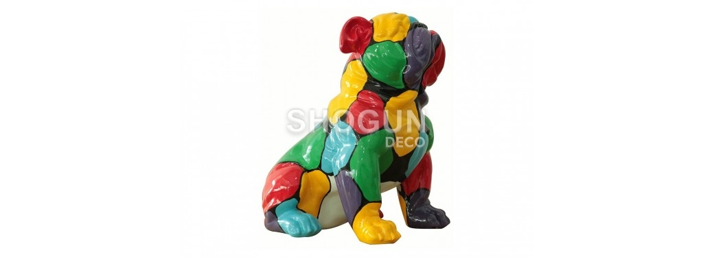 Statue Bulldog assis. Patchwork de couleurs - H45 cm