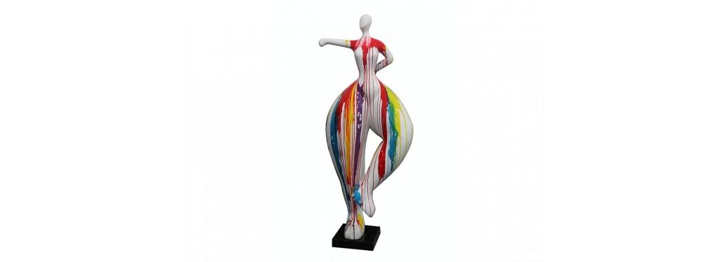 Grande statue Femme ronde, coup de poing. Effet peinture coulante - H138 cm