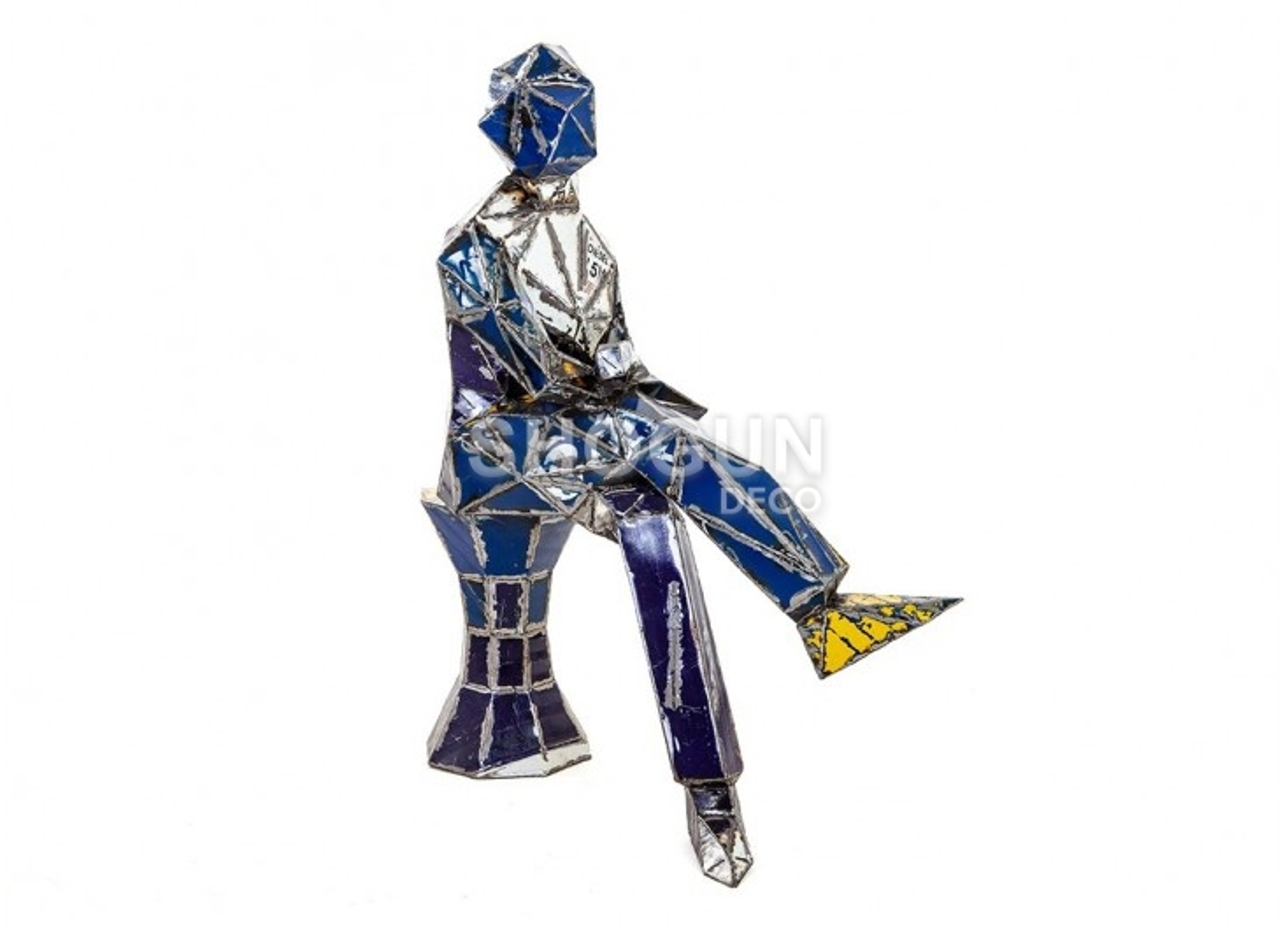 Statue en bidon recyclé - artisanat