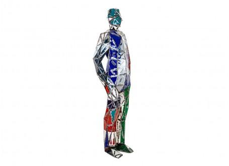 Homme debout en bidon recyclé - artisanat