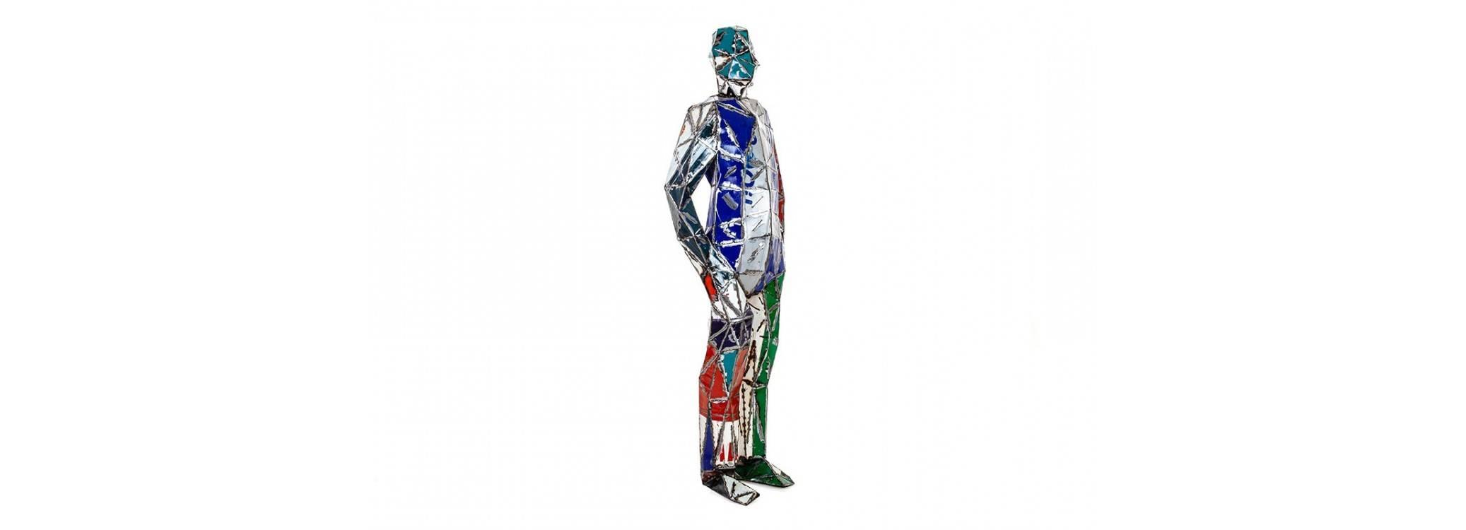 Homme debout en bidon recyclé - taille humaine