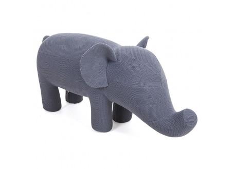 Pouf éléphant gris. Fil de coton tricoté. 118 cm