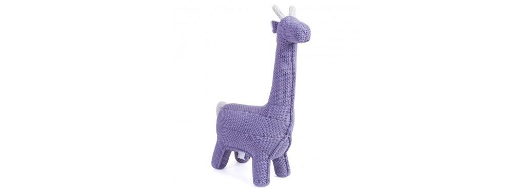 Mini girafe violette. 55 cm