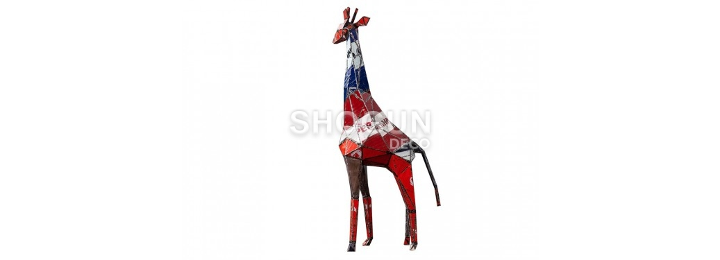 Girafe made in recycled oil can - arts & crafts