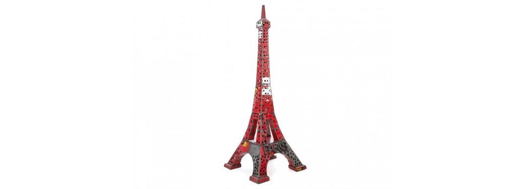 Tour Eiffel en bidon recyclé