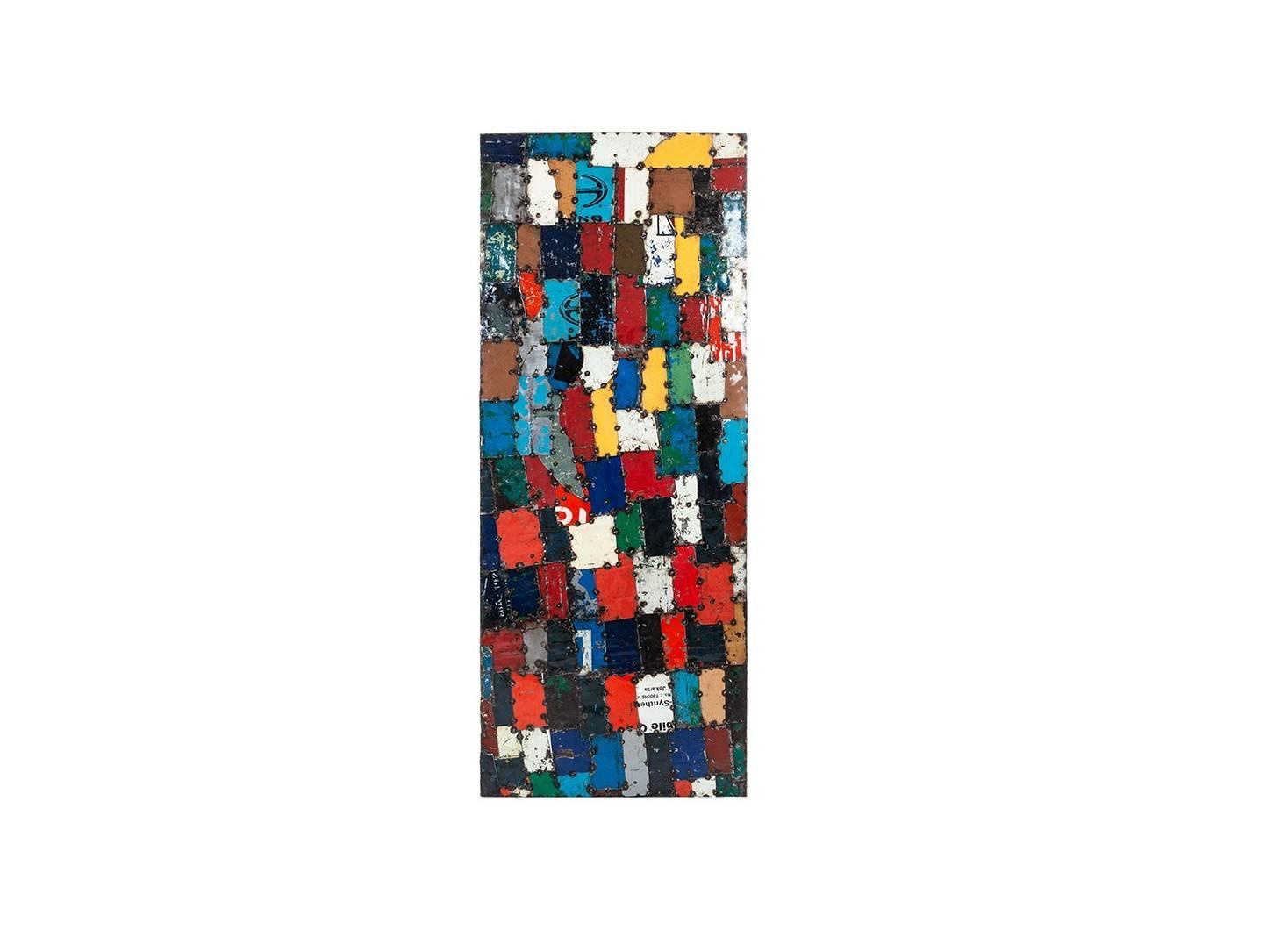 Panneau mural en bidons recyclés - artisanat