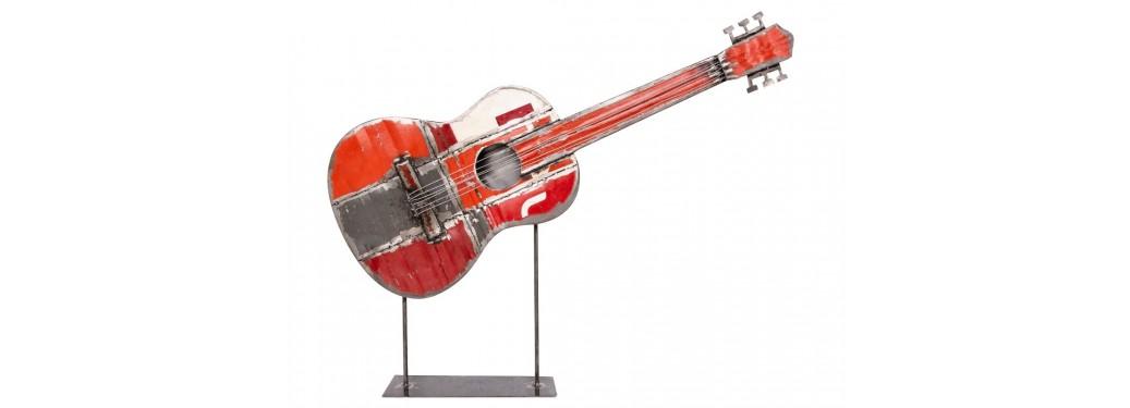 Guitare en bidon recyclé - artisanat