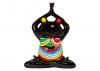 Statue de grenouille colorée faisant du yoga