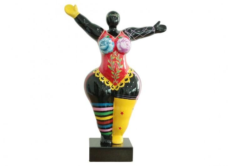 Statue Femme ronde, bras écartés
