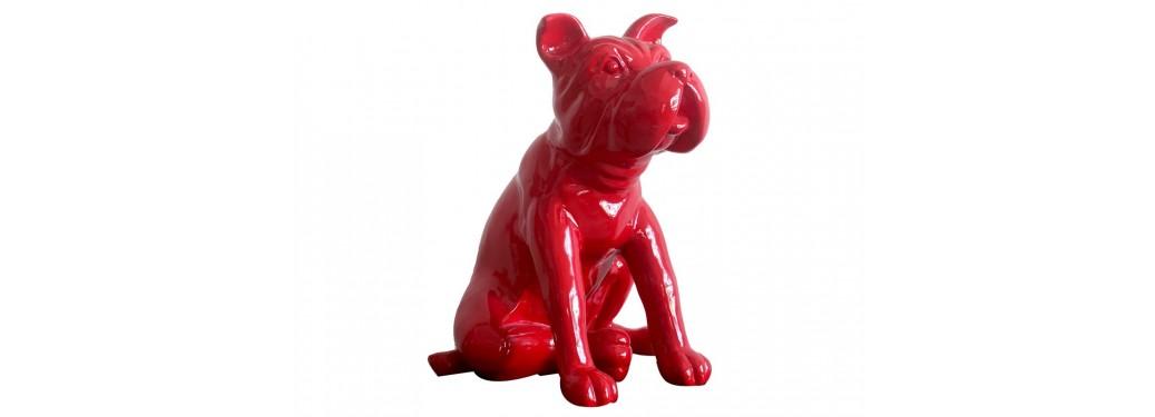 Statue chien rouge en résine