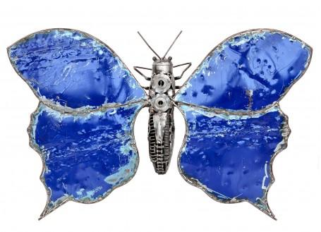 Sculpture de papillon en métal récupéré