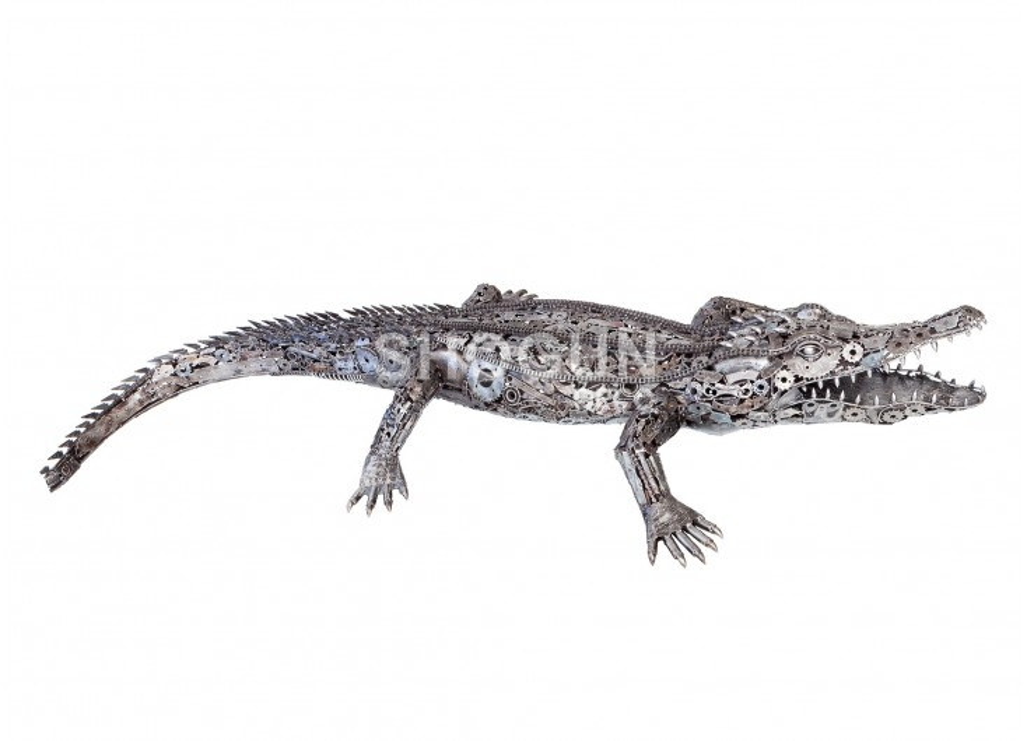 Sculpture de crocodile en métal récupéré