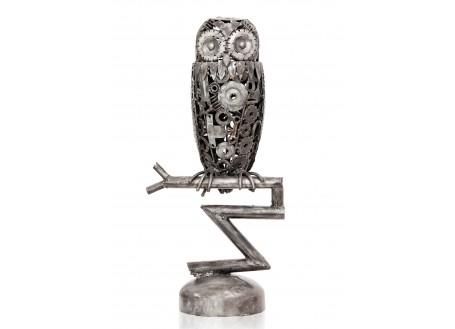 Sculpture de hibou en métal récupéré