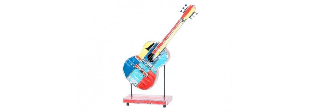 Guitare en bidon recyclé - petit format