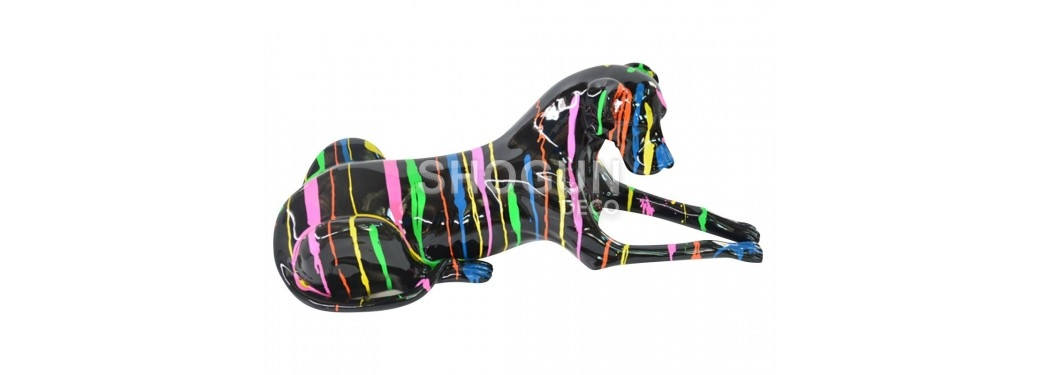 Statue chien noir en résine