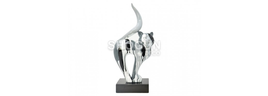 Statue of a cat in resin