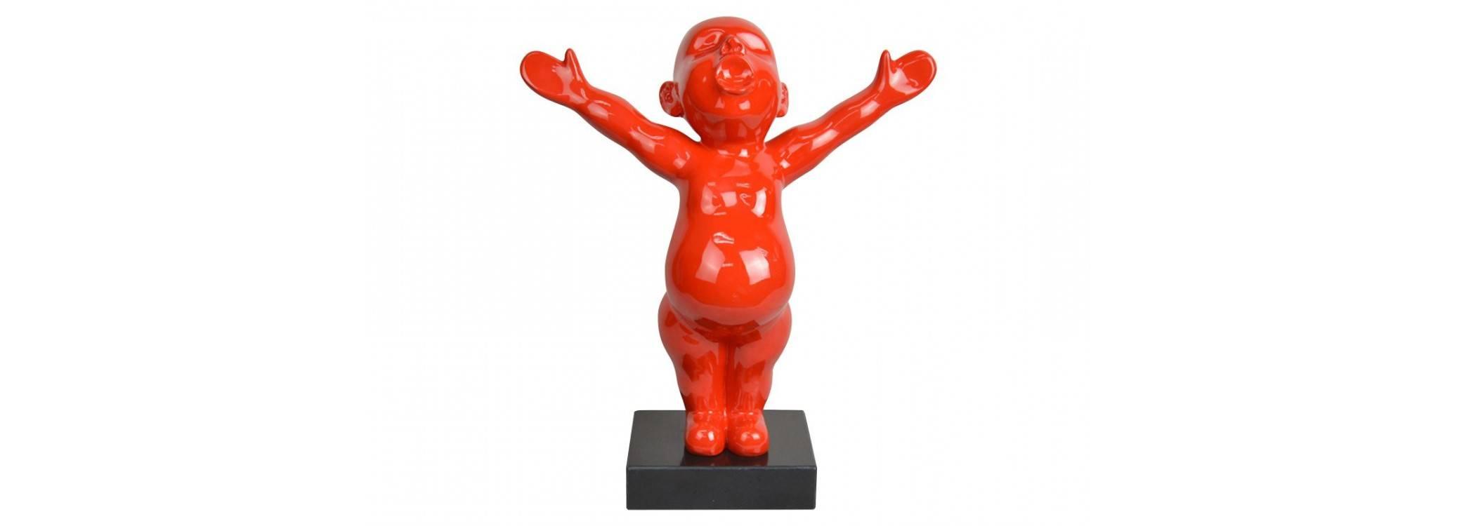 Statue bébé rouge en résine